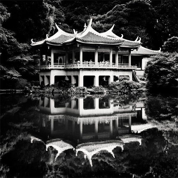 Tokyo - Shinjuku Gyoen Garden by *angelreich on deviantART
