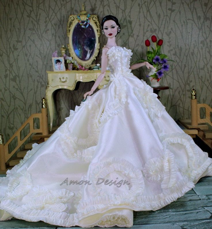 Dolly Bridal Collection: Amon Design Gown Outfit Dress Fashion Royalty Silkstone