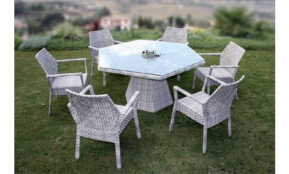Bonito conjunto de comedor compuesto por mesa hexagonal y for Comedor hexagonal