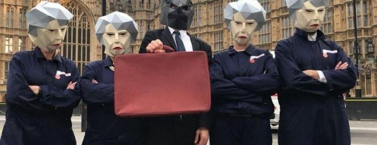 Budget 2017 UK: GMB union workers dressed as 'Maybots' rally at Parliament to demand public sector pay rise from Philip Hammond