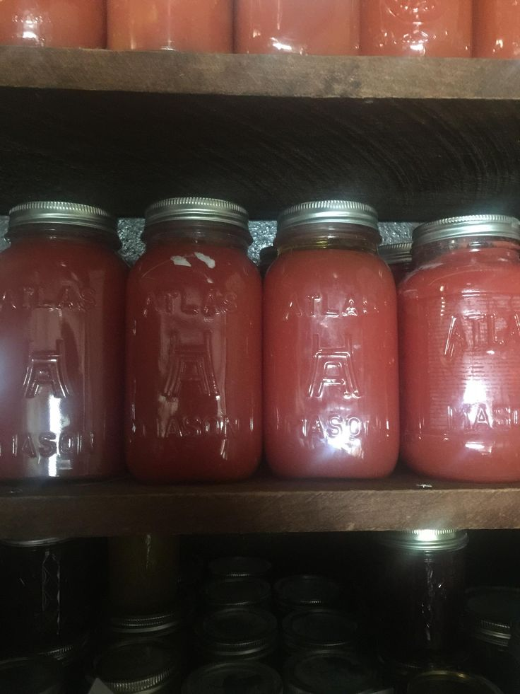 Lucky Yard sale find!! Got about a dozen and a half of these Hazel Atlas jars in a mix of pints and quarts. Shoukd not risk breaking them by canning in them but it seems wrong not to not set them to their purpose. They just look so awesome. Here they are filled with basic San Marzano sauce #canning #auspol #preserving #wapol #libspill #Abbott #giveaway #LNP #food