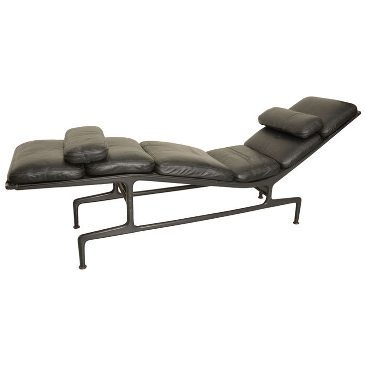 Billy wilder chaise lounge by ray charles eames for Chaise charles eames ebay