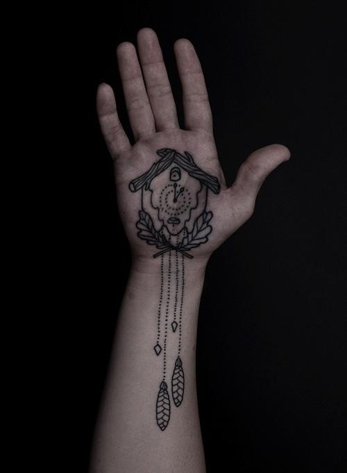 Thomas Hooper: Tattoo Ideas, Cuckoo Clocks Tattoo, Tattoo Inspiration, Thomas Hooper, Hands Tattoo, Crazy Tattoo, Tattoo Hands, Palms Tattoo, Clocks Palms