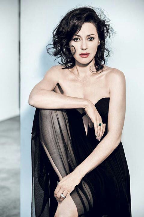 Tina Arena the beautiful Italian Aussie songbird