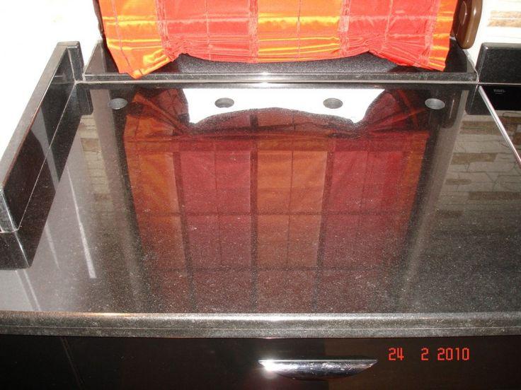 Mobila Bucatarie Blat  Granit cu gauri pentru aerisire calorifer