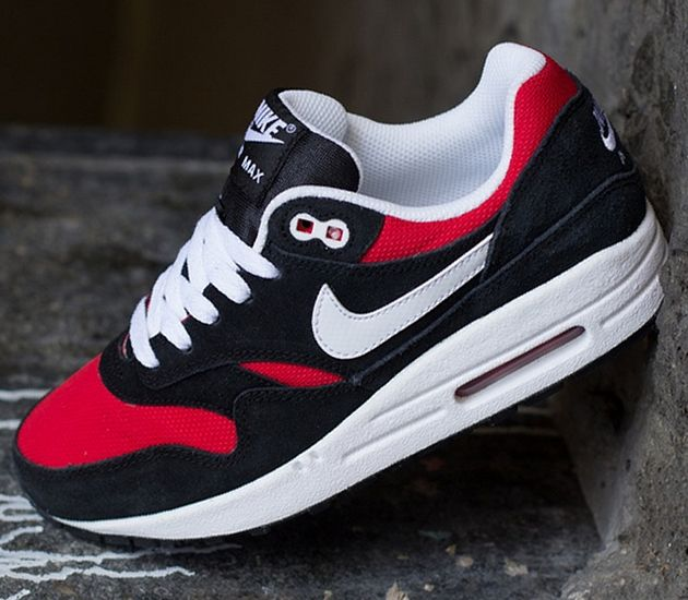buy online 0fc56 b30c2 ... Nike Air Max 1 GS Black   White University Red White Clothing, Shoes    Jewelry ...