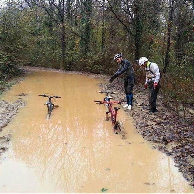 The Trail was a little wet today... #enduro #rampage #trek #yeti #pivot #scott #santacruz #specialized #devinci #downhill #Fox #freeride #FullFoxFloat #fullsuspension #gt #giant #gopro #gohard #kona #lapierre #xc #ventana #cannondale #crosscountry #norco #mtb #Manitou #marzocchi #mondraker #badass