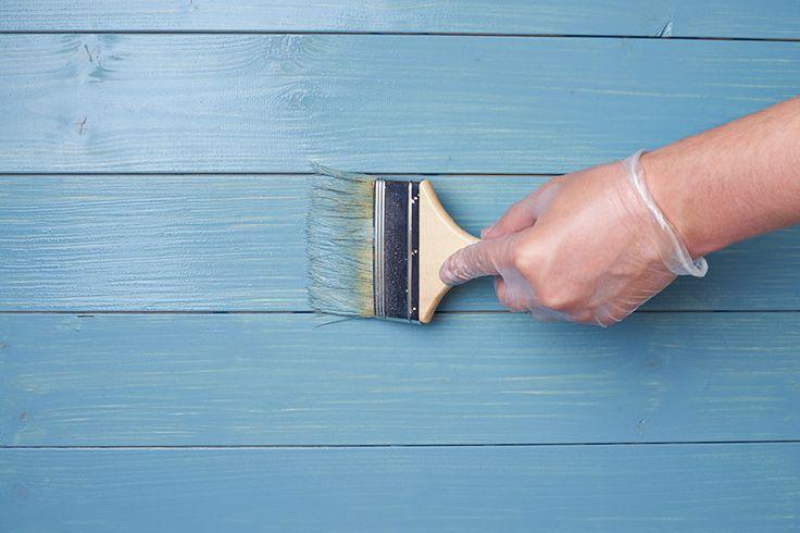 Måla ett trägolv. Här får du bra tips och beskrivning på hur du målar om ett gammalt golv och även hur du gör med målade trägolv som är målat tidigare.