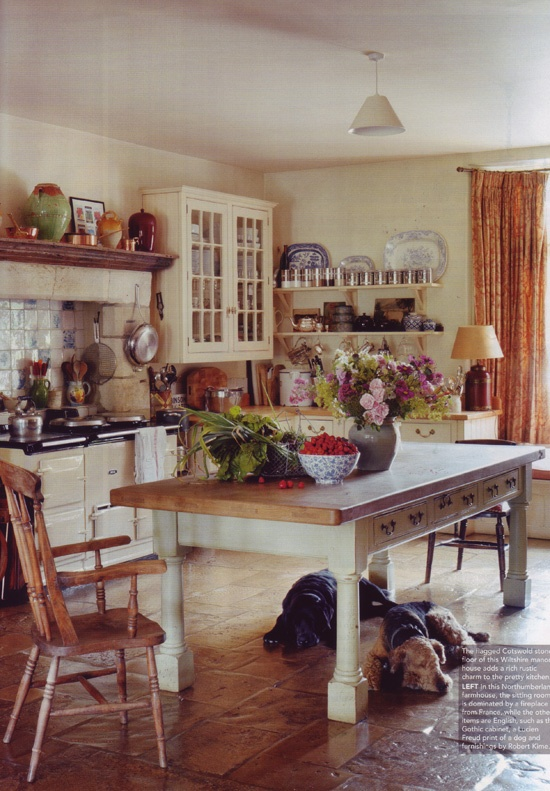 I want a country style table now...this is gorgeous!
