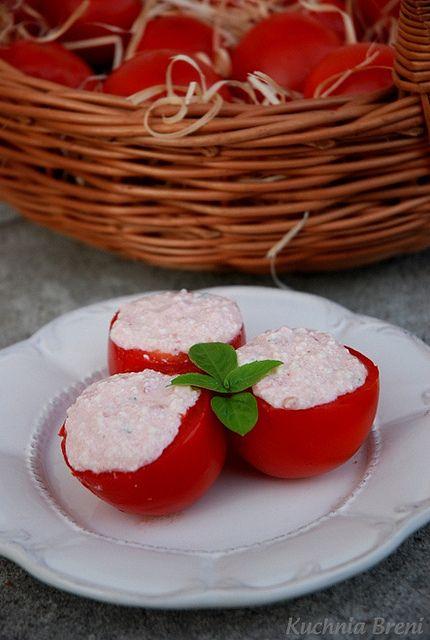 pomidory faszerowane: Faszerowan Twarogiem, Pomidori Faszerowan