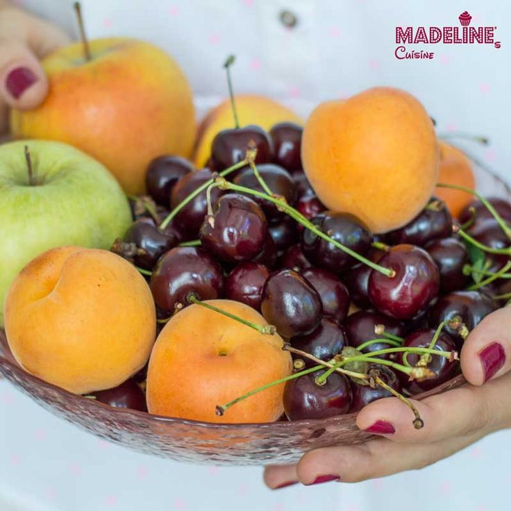 Campania fructe in dar by Madeline's Cuisine, ambasador Jamie Oliver Food Revolution in Romania