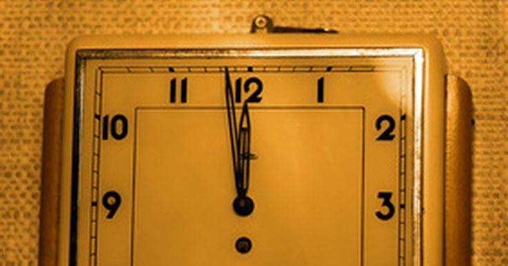 Cómo calcular la diferencia de tiempo en Excel. Un empleado llega a ti para quejarse de que su cálculo de horas son incorrectas. Luego de la revisión, te das cuenta que has calculado sus horas incorrectamente. Puedes introducir las horas en Microsoft Excel y calcular la diferencia entre los tiempos con precisión. Puedes entrar en la hora con la función de hora o directamente en la hoja de ...