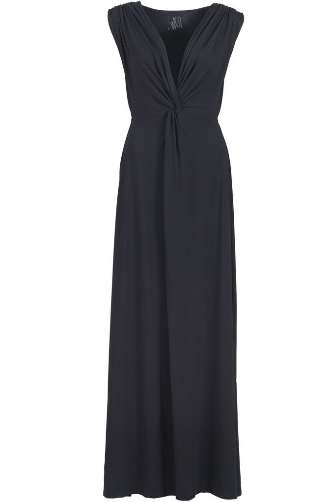 Need a dress for New Years? This Amia dress will do trick! Not only is it really stunning, is is also super soft and nice to wear.