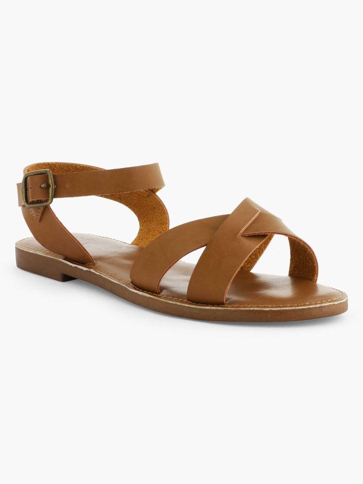 Découvrez les caractéristiques du produit Sandales à Lanières Unies, sur le site de La Halle, marque de vêtements et chaussures pour femmes et hommes.