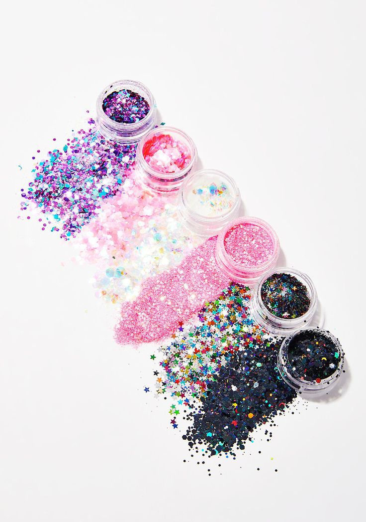 Lunautics Hollywood Superstar Stax cuz you could never ever have enough glitter in life. This 6 pack of cosmetic grade glitter is non-toxic and cruelty free.