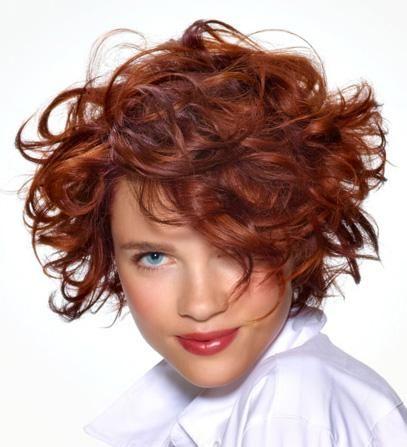 Tendance coiffure femme été - coupe de cheveux courts carré bouclé et roux, votre Avis Coiffure tendance 2012 / 2013