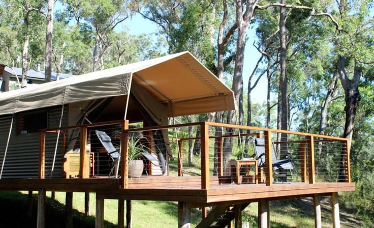 the escape located just two hours from Canberra and 3.5 hours from Sydney. Wake up to views of the Clyde River