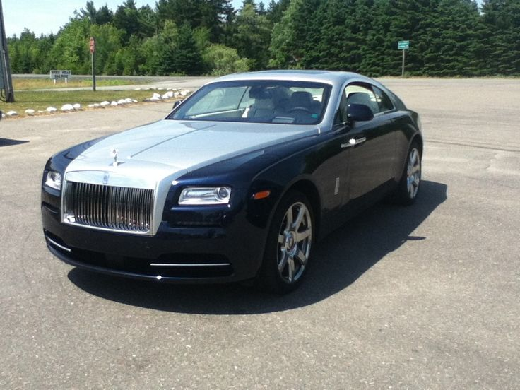 Rolls Royce Wraith at a seafood take-out in small-town New Brunswick Canada. Never thought I'd ever see one.