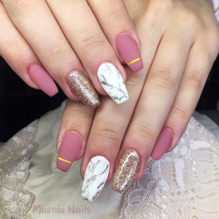 Gel marble matte nails