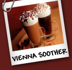 """Vienna Soother Ingredientes: • 4 cucharaditas de Cafe • 2 cucharaditas de Crema • 1/4 """" de Jarabe de Chocolate para helados • 1/4 cucharaditas de Canela"""