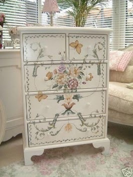 Would love a dresser like this! http://www.facebook.com/pages/Denises-Window-Box/175428252560255