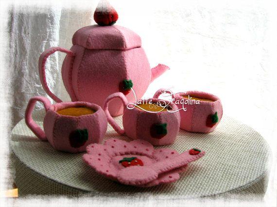 Giocattolo in feltro Set da tè senza dolci  Cibo di LatteFragolina, €42.00