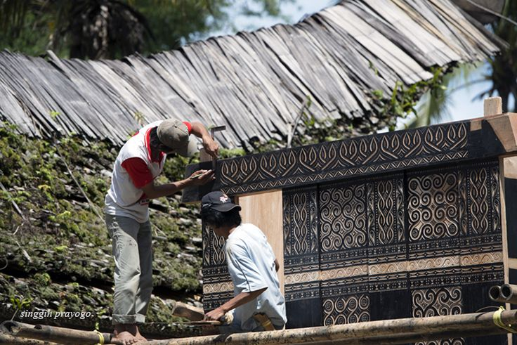 Making A Tongkonan House, Toraja - South Sulawesi