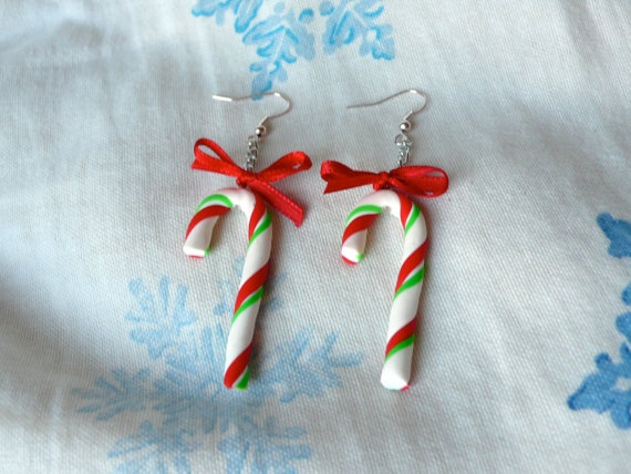 For great christmas spirit dress your self up in the finest christmas jewelry for the season. For example these Candy Canes. They are a great gift for anybody that show a sight of respect and love. They are light weighted and adorably cute.