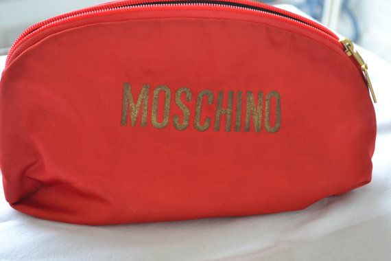 MOSCHINO REDWALL authentic clutch bag in red by vintagekosmima