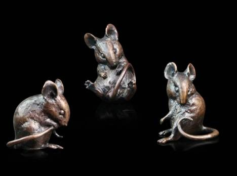 Art in bronze from Richard Cooper & Company. Three little mice from his 'three little collection...' Loads of other lovely animal bronzes.
