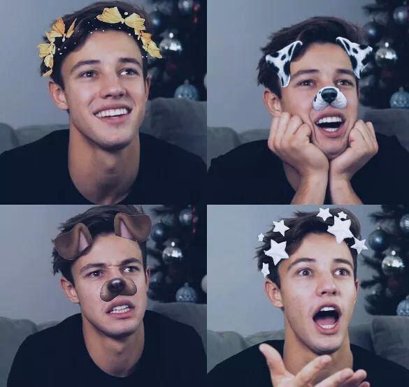 He looks so cute here ❣️❤️❣️❤️❤️❣️
