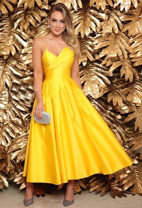 Vestido de festa midi: 40 vestidos para casamentos, formaturas e eventos sociais - Pronta pra Festa in 2020 | Strapless dress formal, Dresses, Formal dresses