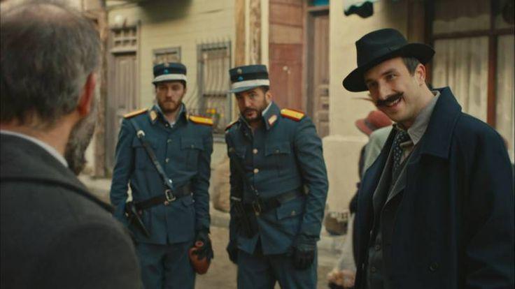 Savaşın gidişatını değiştirecek silahlar, Tevfik'in akılalmaz oyunuyla Eşref Paşa'ya geçer. Eşref Paşa'nın, Tevfik'i serbest bırakması Cevdet'i endişelendirse de Yunan Ordusu içindeki casusluğu son bulacağı için memnundur. Yüzbaşı Yakup'un İzmir'e gelişi, başta Vasili olmak üzere herkesi tedirgin eder. Mustafa Kemal Paşa'dan Cevdet'e gelen mektup, Cevdet'in tarafını belli etse de Azize ve ailesini büyük bir sürpriz beklemektedir.