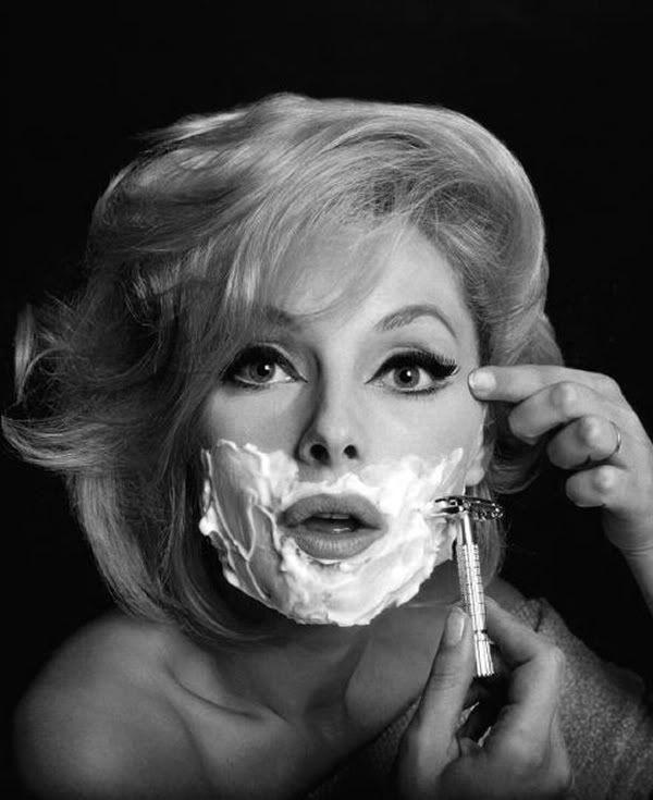 Virna Lisi,1960s: Virna Lisi, Natural Skin, Colleges Girls, Skin Care, Marilyn Monroe, Black And White, Virnalisi, Coconut Oil, Magazines Covers