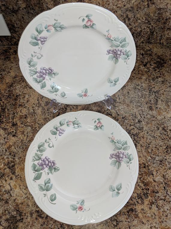 Pin By Belinda Matthews On Dishes Dinner Plates Plates Pfaltzgraff