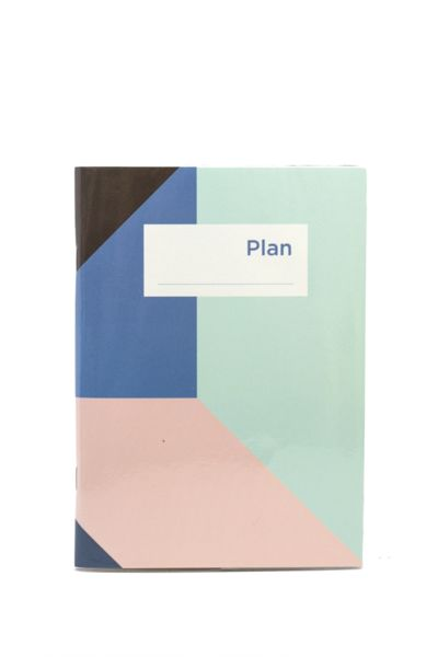 Fun color block print! Light and compact but with all the necessary pages for yearly, monthly, and weekly planning. Comes with a protective plastic sleeve to keep all your notes, receipt and business
