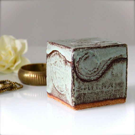 Scatola cubo in ceramica porta gioie stile indiano di TITAP