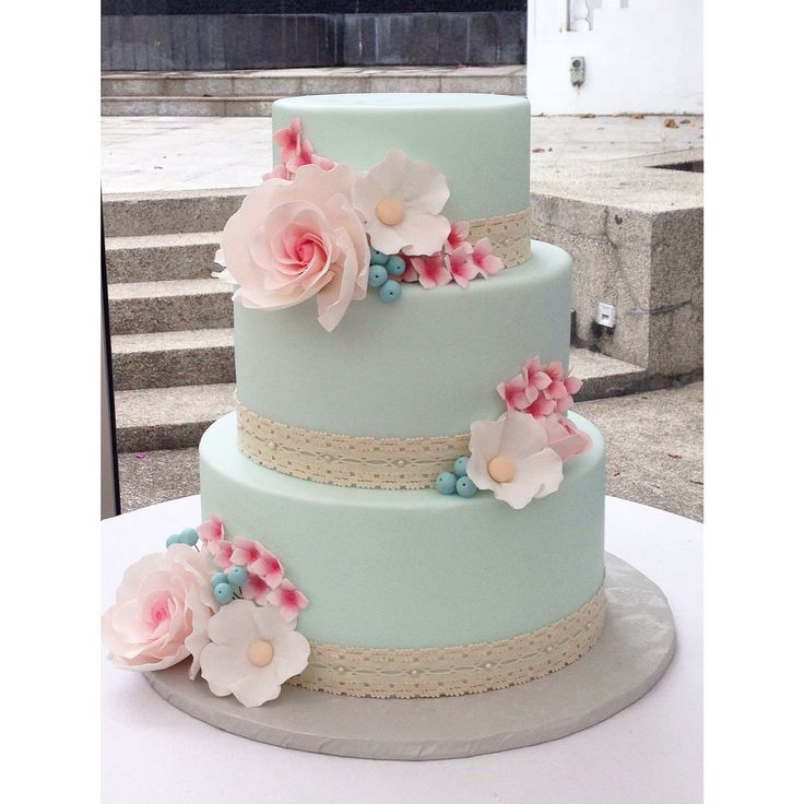 traditional wedding cake singapore a 1950 s inspired wedding cake with mint fondant and pink 21195