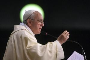 Papež František nabízí recept, jak žít spokojeně. Jakési desatero.