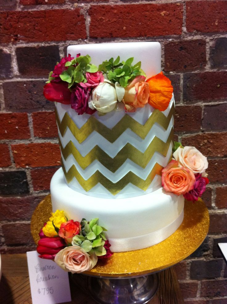 love these metallic zig zags - Sweet Designs by Claire #wedding #cake #love #specialoccasion #perfectday #weddingcake #elegant