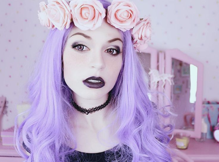 I've been asked many times to post a video about #pastelgoth essentials and what you need to get started. So… your wish is my command and the video is already on my channel!!!youtube.com/juliazelg
