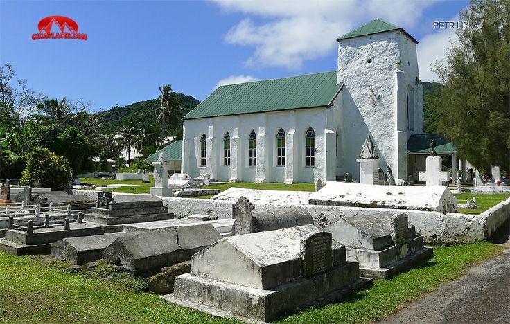 Starý kostel s hřbitovem