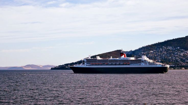 #QueenMary 2 #Hobart #Tasmania #cruise #ship Article and photo for think-tasmania.com