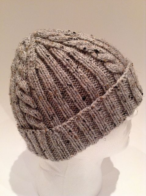 Ravelry: Ribs 'n Cables Beanie pattern by Anne G. free pattern