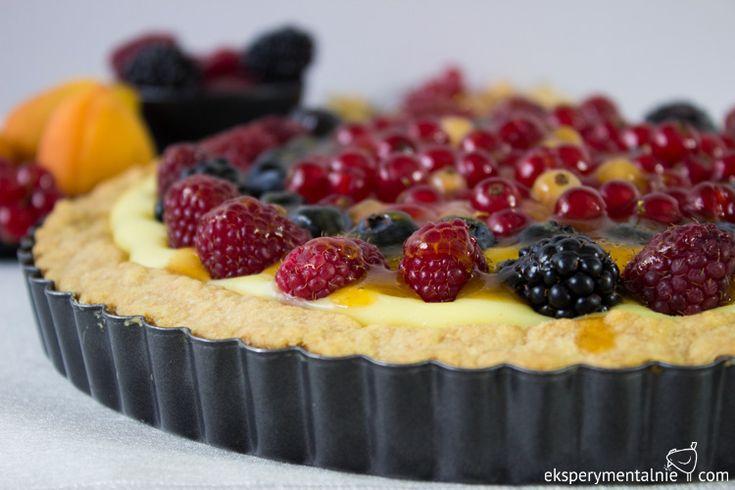 Tarta z budyniem i owocami - maliny, porzeczki, jagody