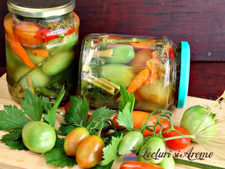 Gogonele murate Romanian pickled green tomatoes