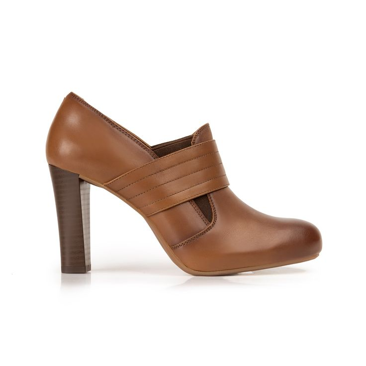 Nueva línea semi vestir de tacón, integrada por tres estilos clásicos: pump…
