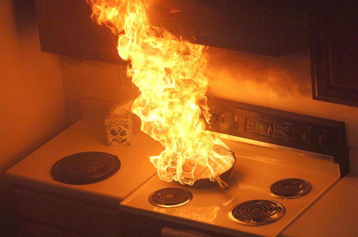 Jangan Menggunakan Air Untuk Memadamkan Api Minyak
