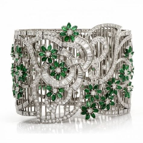 Dover Jewelry White Gold, Emerald and Diamond Bracelet