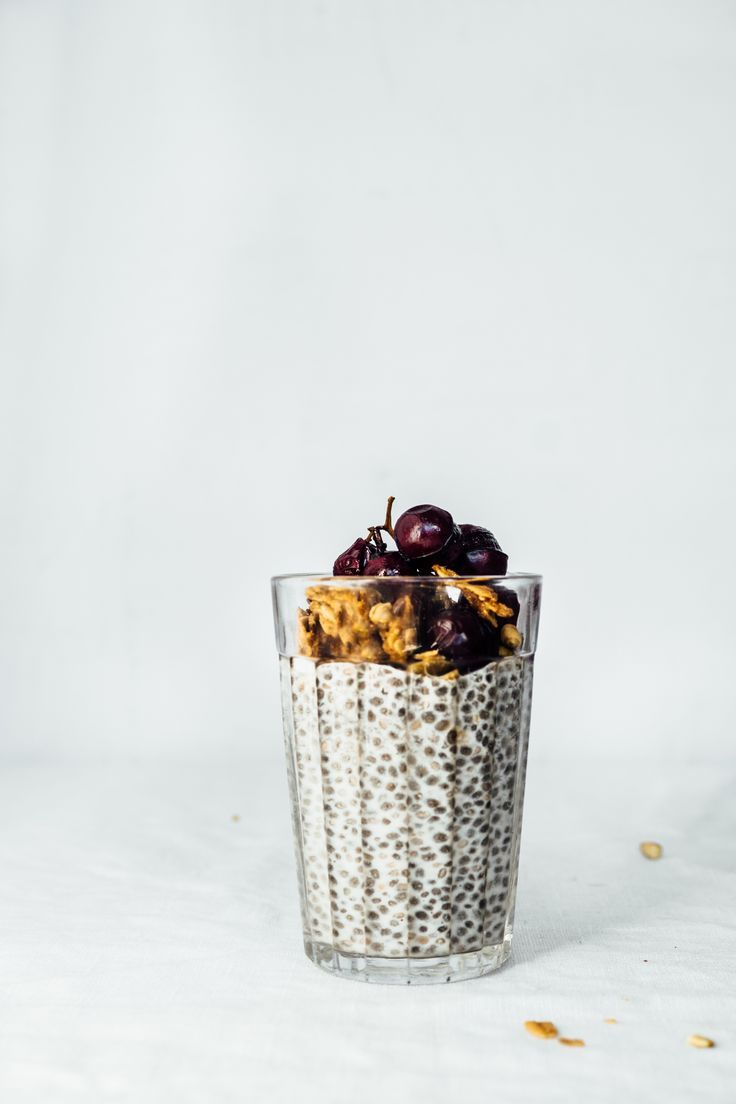 Almond Chia Pudding with Roasted Grapes//